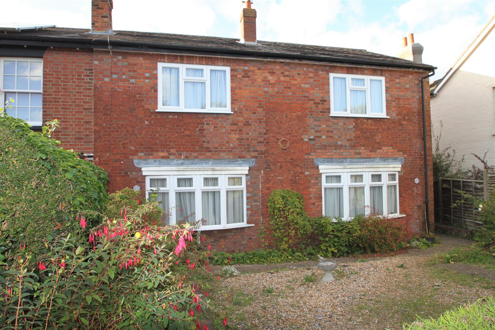 4 Bedrooms End Of Terrace House for sale in Hartslands Road, Sevenoaks